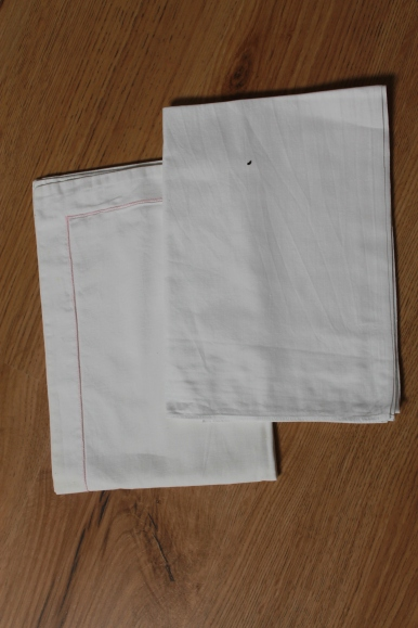3-ancien-drap-lit-bebe-blanc-liseret-rose-12